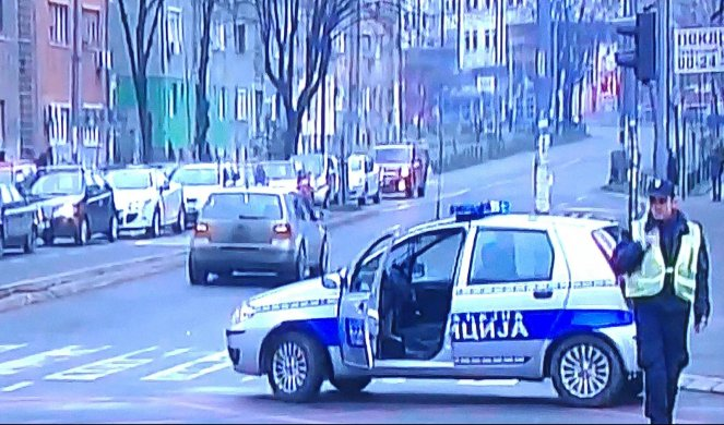 Beograd Povređena Devojcica U Ulici Milana Rakica Informer