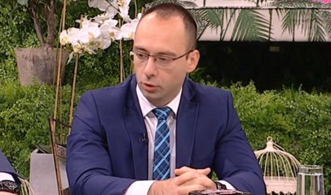SIMIĆ: Nema albanskog političara na KiM bez ratne prošlosti!