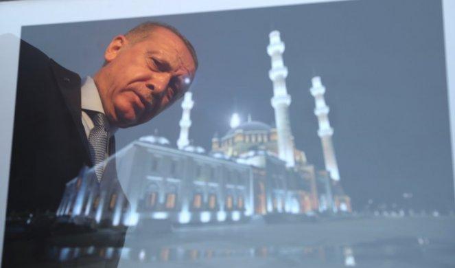 GRČKI MINISTAR KATRUGALOS U ŠOKU: Erdoganova najava preimenovanja Aja Sofije u džamiju UVREDA ZA HRIŠĆANE!