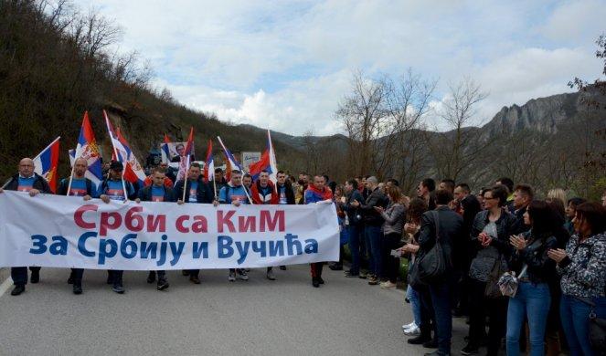 Сербы, участники пешего перехода Косово - Белград