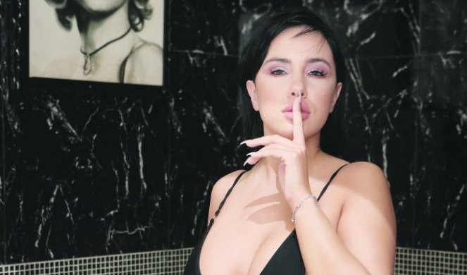 Amaterski biseksualni porno video