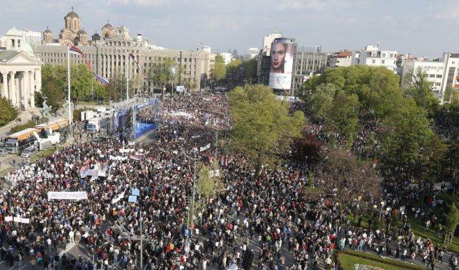 """БЕОГРАД: 150.000 ГРАЂАНА НА СКУПУ """"ЗА БУДУЋНОСТ СРБИЈЕ"""""""