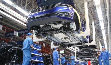 FOLKSVAGEN PRETIČE TESLU: VW će proizvoditi milion električnih automobila do 2022.