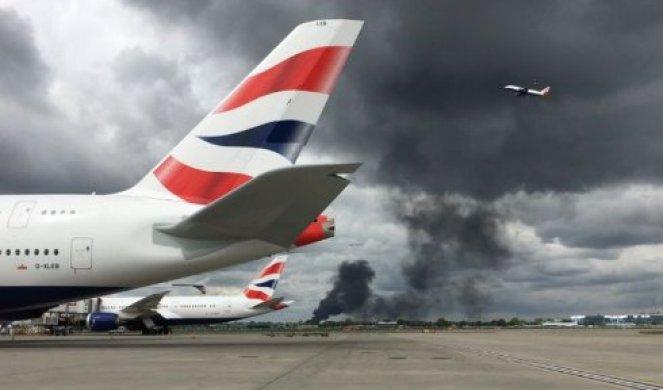 (VIDEO) UZBUNA U LONDONU: Veliki požar izbio nadomak aerodroma Hitrou