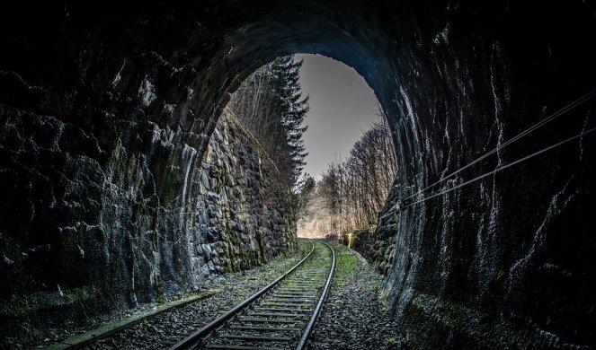 MISTERIJA KOJU DO DANAS NIKO NIJE RAZOTKRIO! Voz sa BOGATIM ITALIJANIMA ušao u tunel I ZAUVEK NESTAO, a onda se na drugom kraju sveta desilo nešto NEOBJAŠNJIVO!