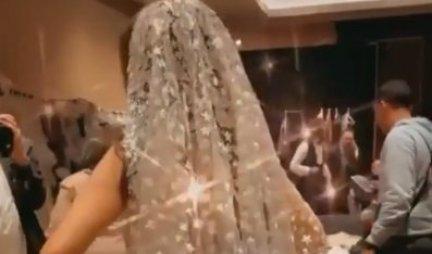 OVO JE NAJSKUPLJA VENČANICA NA SVETU! Napravljena od stotine dijamanata i dragog kamenja! (FOTO/VIDEO)