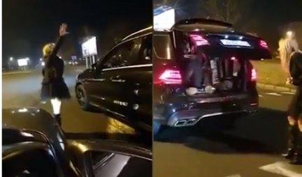 SNIMAK ŠOKIRAO SRBIJU! Devojka vozila bez ruku, nasred ulice PARKIRALA i izašla da igra KOLO, a kada je otvorila GEPEK... NEVERICA (VIDEO)