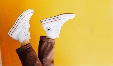 REŠITE SE NEPRIJATNOG MIRISA IZ OBUĆE! TRI jednostavna načina da vam cipele LEPO MIRIŠU - evo šta je potrebno da uradite!