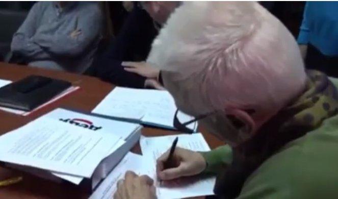 (VIDEO) SKANDAL U ŠAPCU! GIК prihvatio listu SNS, pa se posle nekoliko minuta predomislio! Tako izgleda Zelenovićeva demokratija