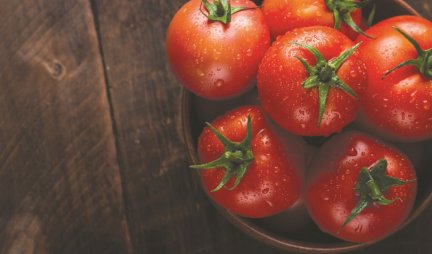 TOMATO - A POWERFUL HEALTH GUARD!  Here's why you should eat it every day!