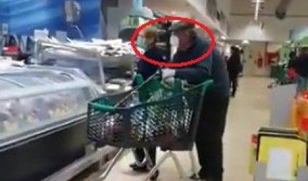 STAVIO JE OVO ČUDO NA GLAVU UMESTO MASKE! U prodavnici su ga svi gledali kao MARSOVCA, a šta biste vi rekli da vidite ovakvog deku? (FOTO/VIDEO)