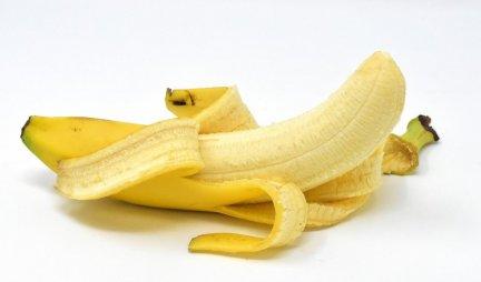 (FOTO) Kupio je bananu, a kada je ogulio koru NIJE MOGAO DA VERUJE ŠTA VIDI