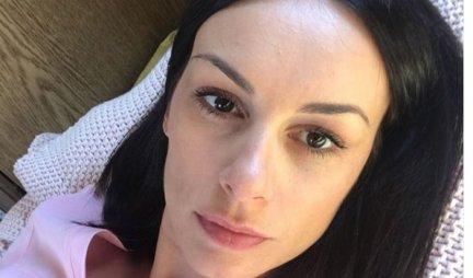 SLOBODA MIĆALOVIĆ POZIRALA U SPAVAĆICI! Glumica objavila fotku iz KREVETA - evo kako IZGLEDA! (FOTO)