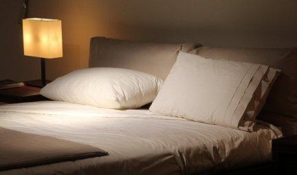 OVAJ PREDMET PRIVLAČI NOVAC KAO LUD! Stavite ga ispod kreveta i čekajte, bićete ODUŠEVLJENI - PARE ĆE DA VAM SE LEPE ZA NOVČANIK!