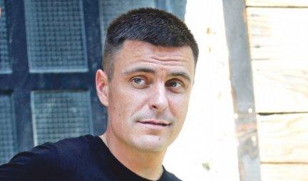 Sin je SLAVNOG GLUMCA, a ostatak porodice NISTE DOSAD VIDELI - Vuk Kostić pokazao MAJKU! Prava LEPOTICA! (FOTO)