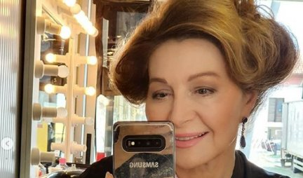 DANICA MAKSIMOVIĆ SE SKINULA U 68. GODINI! Glumica pokazala čime RASPOLAŽE - nećete verovati kako izgleda u KUPAĆEM! /FOTO/