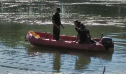 BLACK MONDAY ON THE TISA!  Divers found the body of a girl (7) who drowned, MOTHER INconsolable!