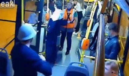 TUČA U GRADSKOM PREVOZU! Kontrolorka prišla putniku, ono što je uradio izazvalo opšti HAOS! (VIDEO)