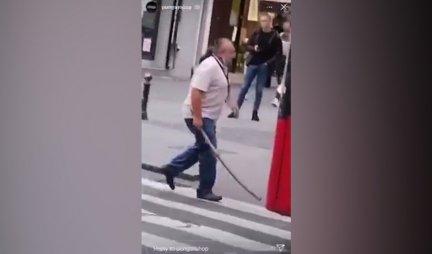 (VIDEO) Usred gužve, iznervirani vozač autobusa izlazi iz kabine, a onda...SNIMAK IZ ZEMUNA KOJI JE SVE ŠOKIRAO