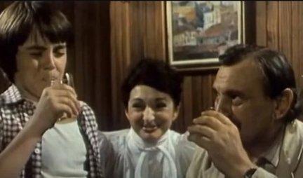 Glumio je rame uz rame sa her Žikom i prijateljem Milanom, a mnogi ga nisu prepoznali: Evo koji proslavljeni glumac je bio unuk Miša u filmu Lude godine! (FOTO)