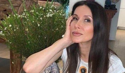 ZAGRMELA U ŠESTOJ DECENIJI! Snežana Dakić kao od MAJKE ROĐENA - obnažila se, pa ispričala o NEPRIJATNOSTI koju je doživela (FOTO)