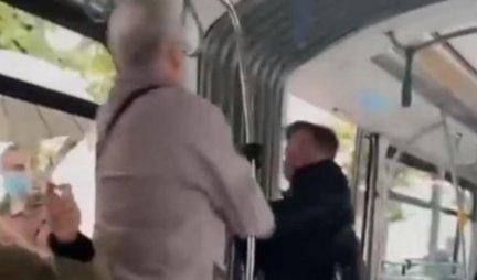 TUČA U TRAMVAJU! Pesnicama DIREKTNO U GLAVU! Nastala DRAMA ZBOG MASKE - putnici izleću, HAOS (VIDEO)