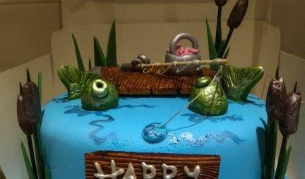 (FOTO) Poručila je bratu tortu za rođendan, a kada je otvorila kutiju, NIJE MOGLA DA VERUJE ŠTA VIDI