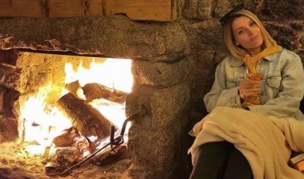 SIN Anđelke Prpić već zna za TRADICUJU! Glumica pokazala kako su proslavili BOŽIĆ! /VIDEO/