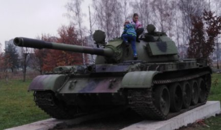 TANKS FROM THE BASKET ATTRACTIONS OF KRUSEVAC: Silent witnesses of the glorious history, they could still, IF NEEDED, SHOT ?!