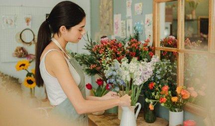 OVA TRI CVETA OBAVEZNO POSADITE U APRILU! Raskošno će cvetati sve do oktobra! /FOTO/
