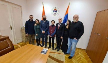 OGROMAN KORAK U KULTURNOJ SARADNJI SRBIJE I RS: Potpisan ugovor o saradnji Kulturnog centra i Putujućeg glumca
