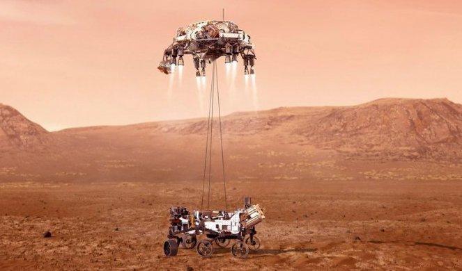 Rover snimio NEVEROVATNU POJAVU na Marsu! Naučnici u šoku, nisu verovali da je na Crvenoj planeti ovo moguće! /FOTO/