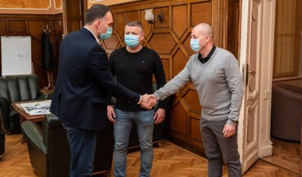 DR SRĐAN STEVANOVIĆ IN THE TOWN HOUSE!  In honor of the decorated fighter against the crown, the mayor organized a reception