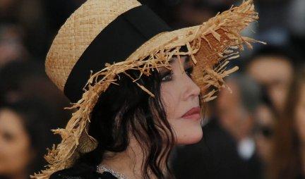 NEMA MUŠKARCA KOJI NIJE BIO ZALJUBLJEN U NJU! Ovako čuvena glumica izgleda danas! /FOTO/